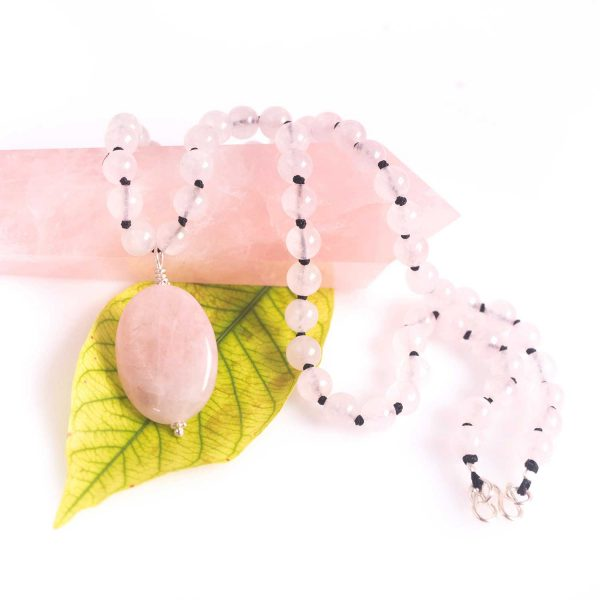 bohemian-style-rose-quartz-necklace